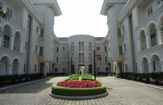 Serviced Luxury One (1) Bedroom Apartment
