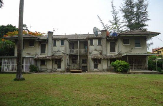 Colonial 3 Bedroom Semi-detached duplexes