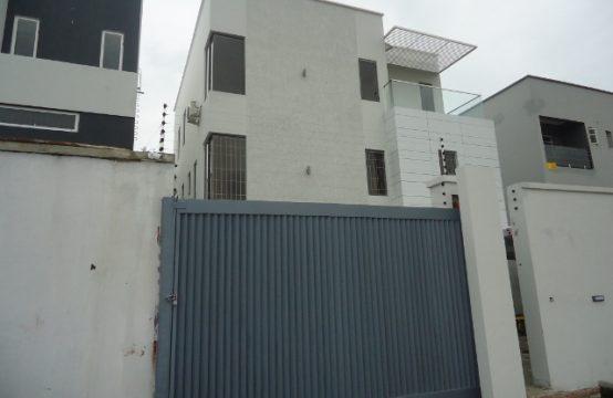 New 5 Bedroom Luxury Detached House off Hakeem Dickson