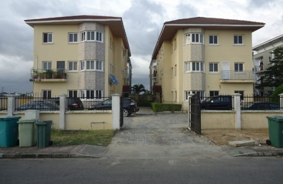 Luxury 3 Bedroom Apartment at Royal Gardens Estate