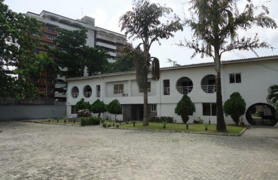 Single Storey Corporate Office Building on Large Grounds