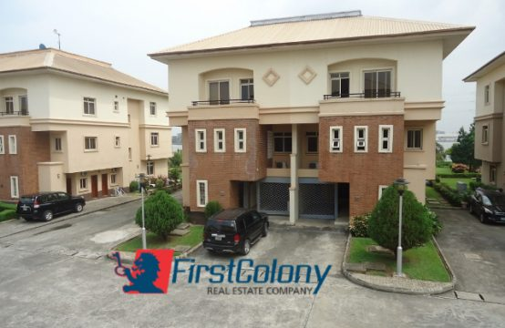 Fully Serviced 4 Bedroom Duplex with Excellent Facilities (incl. Lawn Tennis Court)