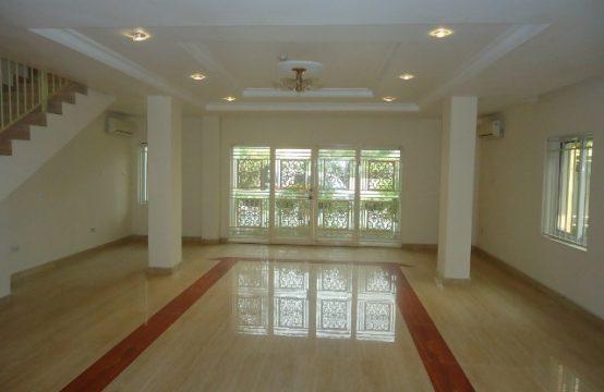 Fully Serviced, Ample, 4 Bedroom Terraced Duplex (Maisonette)