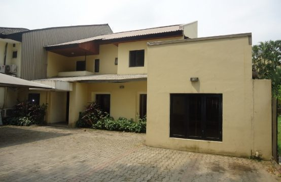 5 Bedroom Duplex with Large Grounds for Office or Residential Use