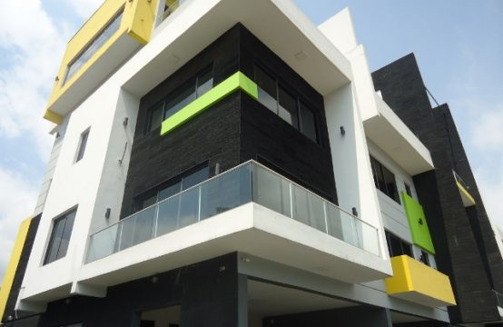 5 Bedroom Terraced Duplex with Excellent Facilities