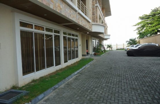 4 Bedroom Terraced Duplex with Excellent Facilities (Incl. Jetty)