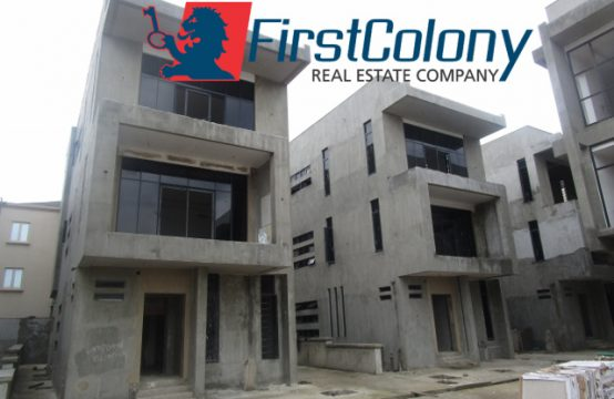 Ongoing 5 Bedroom Detached Duplex within A Serviced Residential Court