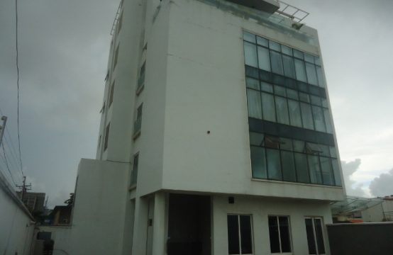 Luxury and Ample 3 Bedroom Apartment with Excellent Facilities