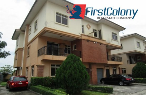 Ample 4 Bedroom Semi-Detached House with 2 Room Stewards' Quarters