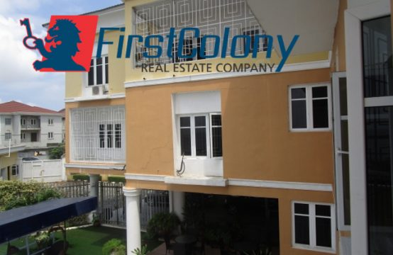 Luxury 3 Bedroom Apartment with Great Facilities
